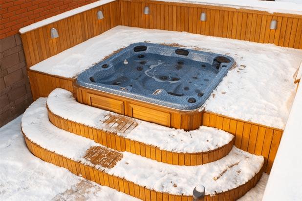 arctic-spas-hot-tub-sunk-in-deck